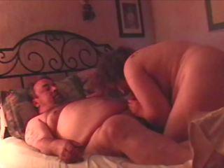 지방 guy 과 하나의 엄마 이웃 사람 있다 playful 섹스 1 의 3