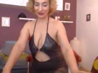 Mature Webcam Show: Free Pussy Porn Video e1