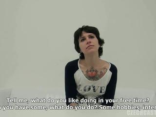 vers realiteit klem, kwaliteit europese film, vol tatoeëren gepost