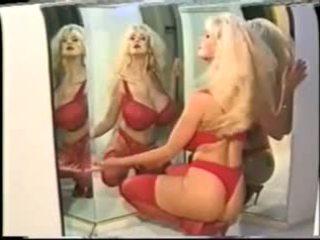 Helen Mirren - erotische Promi-Zusammenstellung mit vollbusiger Blondine