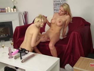 Coco Laesst Sich Hart Ficken Fuer Ein Interview: HD Porn 15