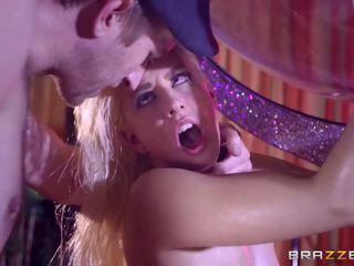 Brazzers - sexy stripper jessie volt kjærlighet stor kuk.
