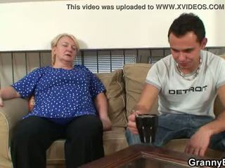 On easily seduces starý stará mama