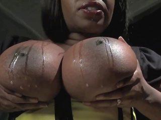 groot close-up thumbnail, ideaal massief actie, plezier striptease video-