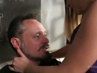 vers brunette mov, ideaal orale seks neuken, online deepthroat thumbnail