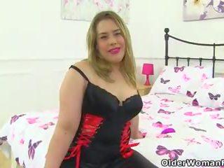 English MILF Tammy Teases Us in Black Leggings: HD Porn a7
