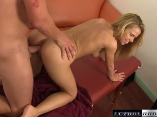 Kiçijek ýaşlar alina wants step brother sik and gets fucked