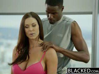 Blacked 健身 孩兒 kendra lust loves 巨大 黑色 公雞