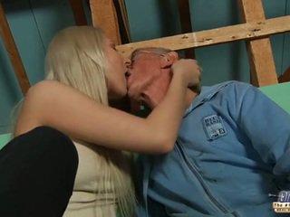 Malu lama guy seduced oleh si rambut perang remaja