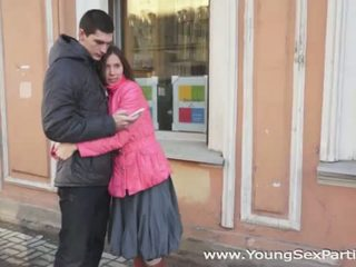 Млад секс parties: руски amateurs четирима майната