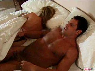 Romantic פעולה ב מיטה