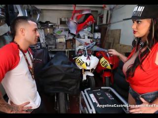 Angelina castro takes cumload į bike garage!