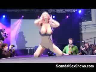 bigtits, show, striptease