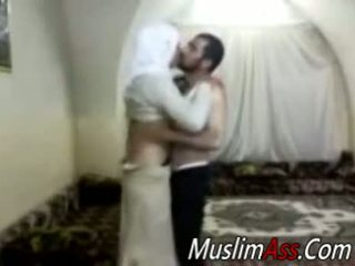 Hijab virgin seksas kamera