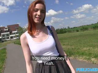 Publicagent sexy tóc đỏ sinh viên fucked lược từ phía sau trên một hill