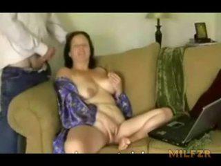 Montel ibu was terlalu panas kepada berhenti seks / persetubuhan
