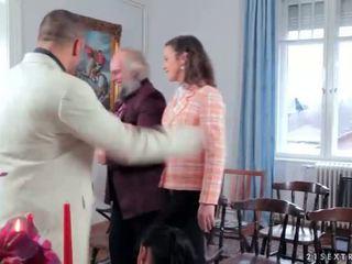Bruid getting humiliated en geneukt ruw