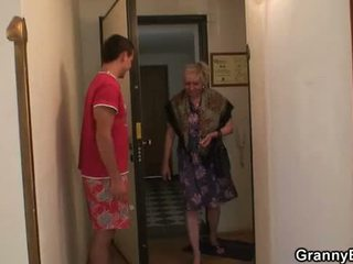 vecmāmiņa, vecenīte, nobriedis