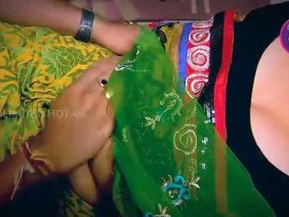 ইন্ডিয়ান গৃহিণী tempted বালক neighbour চাচা মধ্যে রান্নাঘর - youtube.mp4