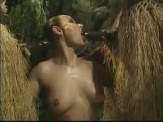 Afrikaly brutally fucked amerikaly woman in tokaýlyk video