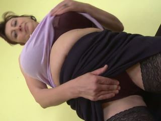 Gorgeous Mom with Super Tits and Hungry Cunt: Free Porn de
