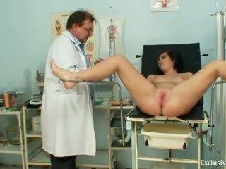 נתיזה, רופא, בחינה