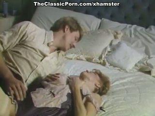 Duży kutas inda włochate cipka w porno retro film