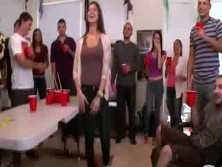 Alexis fawx helps amateurs obter puta em em universidade festa