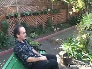 Aukle kayla copulates tēvocis harry