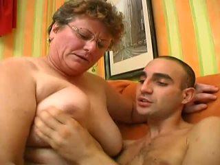 Afortunado guy tener mejores sexo en su vida con abuelita