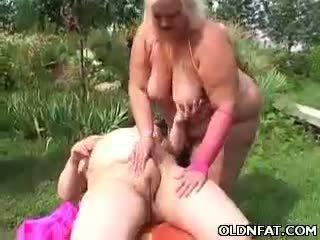 Tłusta dojrzała blondynka zabawka fucked