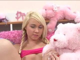 Schattig blondine tiener alexa skye gets het op met een geil dude video-