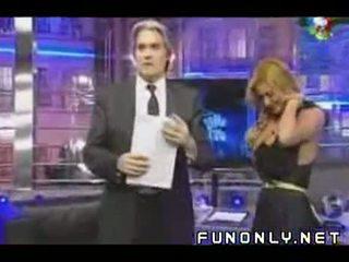Boob slip na argentinke tv