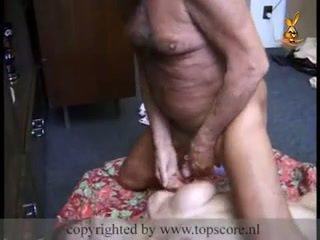 Heet tiener gets geneukt door grootvader