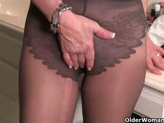 Amerikaans milfs penny en amanda liefde masturberen in nylon