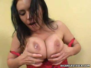 Breasty angelica dilatih