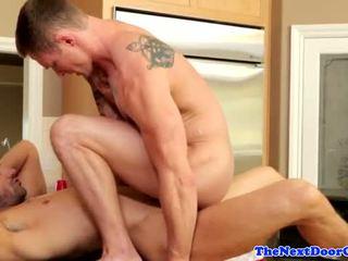 Muscle jock pounding টাইট পাছা আগে cumming