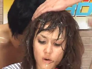 Maria ozawa ألام الظهر announcer