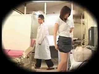 Kihasználás által neki gynecologist