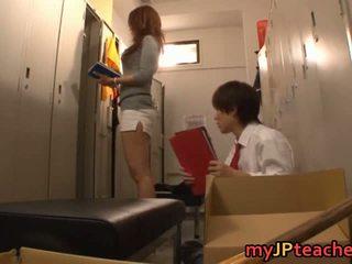 Kaori sexy japoneze mësues getting