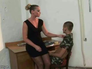 Meesteres kathia nobili punishing latina meisje