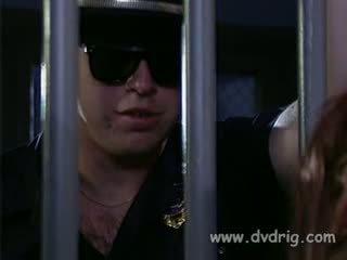 melnkoks, pīrsings, cietums