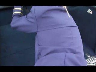 Stewardess sucks en geneukt stranger guy