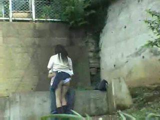 Uczennica having seks w the park