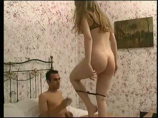 Douces chiennes - porno video 691