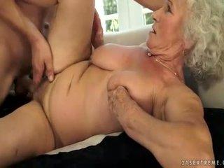 liels penis, vecs, muskuļains