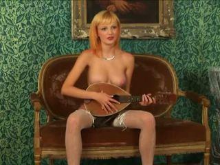 Blondýna virgin strips