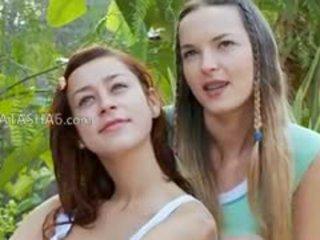 brunett, lesbisk