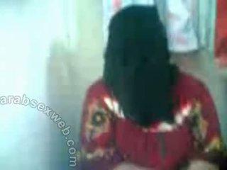 Arab hottie -ban hijab exposes pussy-asw577