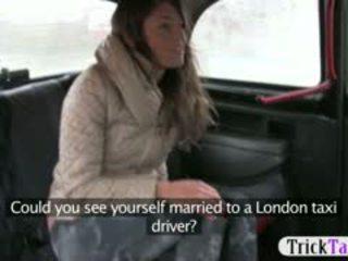 Miúda a partir de latvia procurando para um marido fodido por cab driver